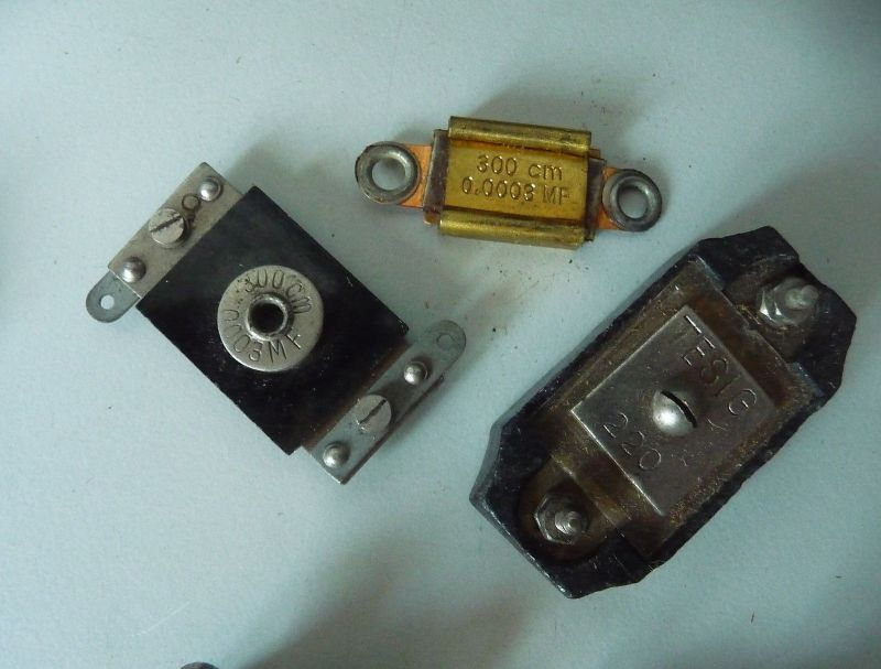 14 Bauteile Ersatzteile Kondensatoren für Uralt-Radios Bastlerware 3
