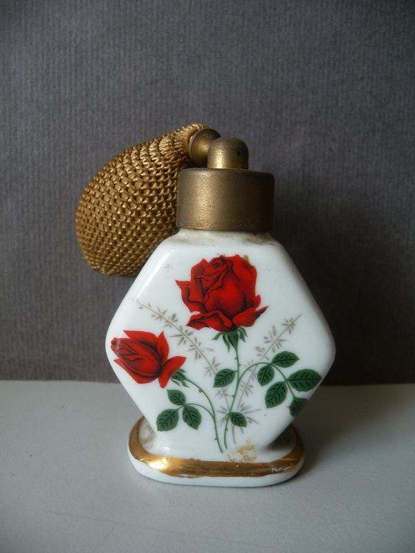 Parfüm-Flakon Fläschchen mit Zerstäuber-Ball / Porzellan Rosendekor