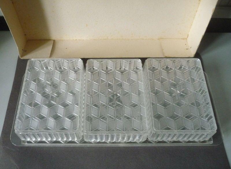 Set Platte + 3 Deckeldosen aus Plaste/ VEB Polyplast Halberstadt DDR