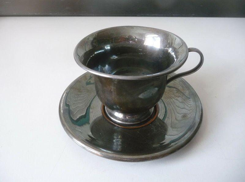 Tasse mit Untertasse Metall schwarz versilbert?