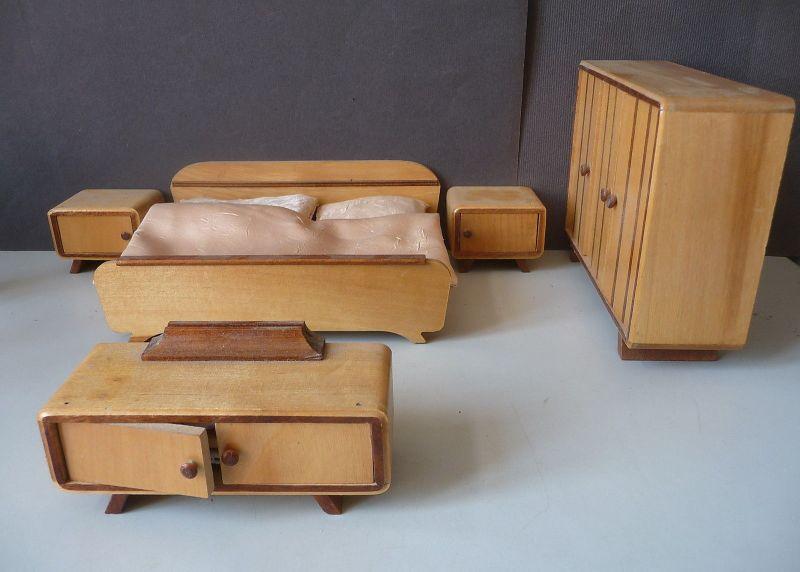 Puppenstuben-Schlafzimmer 5 Teile Schrank Bett Kommode Nachtkästchen