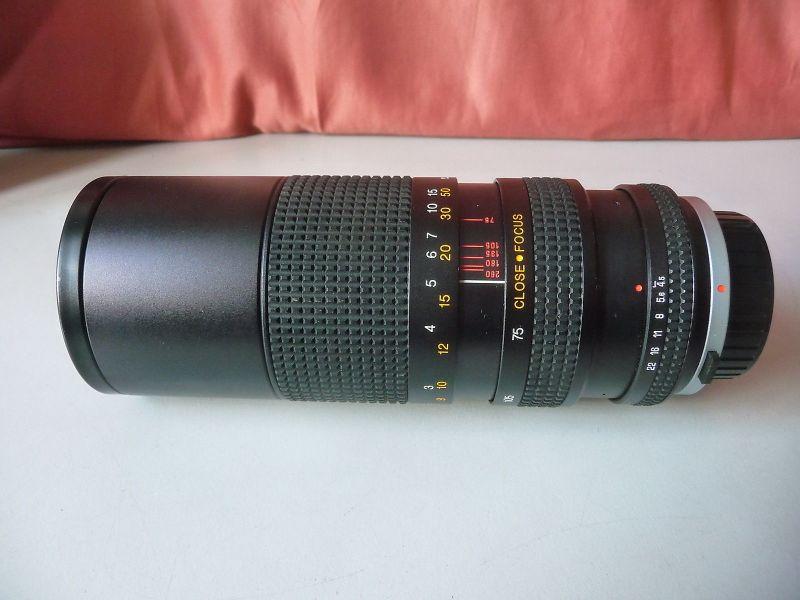 Altes Objektiv Tokina RMC 15-260 mm 1:4,5