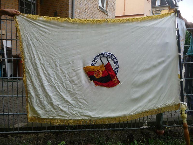 Große Fahne DSF Deutsch Sowjetische Freundschaft mit Fahnenstange Fahnenspitze