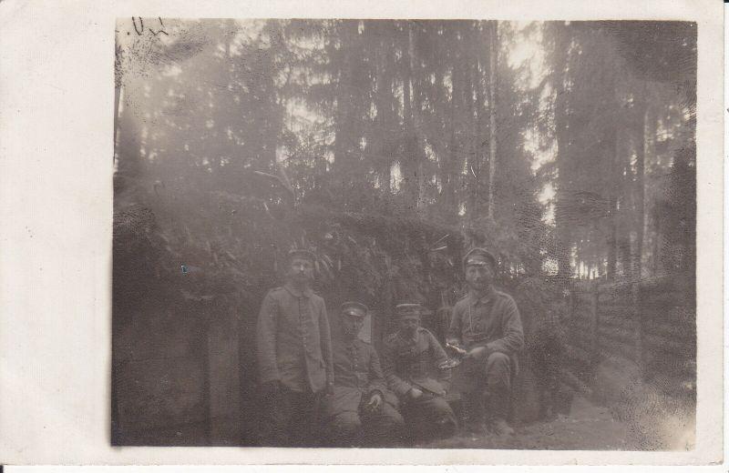 Orig. Foto Postkarte Soldaten in Unterstand Nadelwald 1916