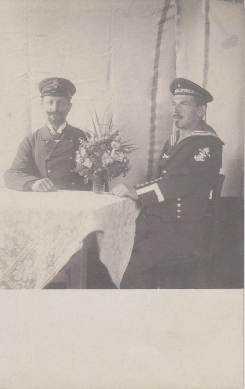 Orig. Foto Doppelporträt Matrose Soldat Kaiserl. Marine Vater und Sohn?