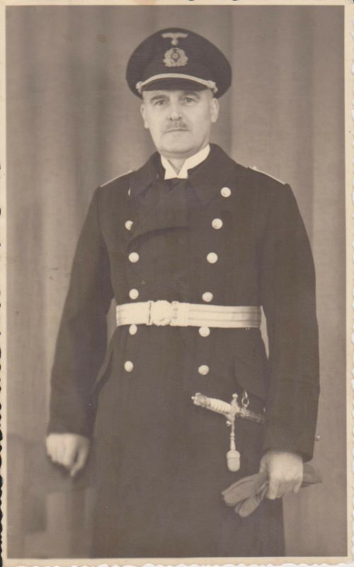 Orig Foto Porträt Marine-Soldat Uniform Gürtel Dolch Kriegsmarine 1944