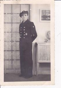 Orig Foto Matrose Soldat Abzeichen WKII