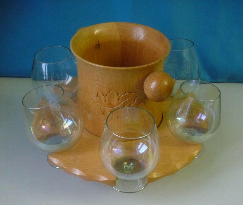 6 Weingläser in Holzständer mit Flaschenhalter Design Kult 1960er DDR