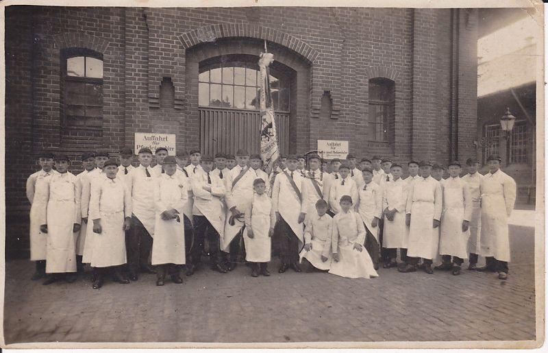 Orig.Foto Arbeiter Schlachthof Fleischer Innungsfahne ?