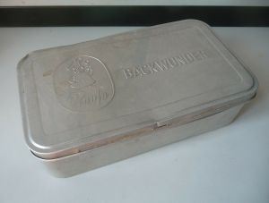 Große Blechdose Aluminium Reese Backwunder