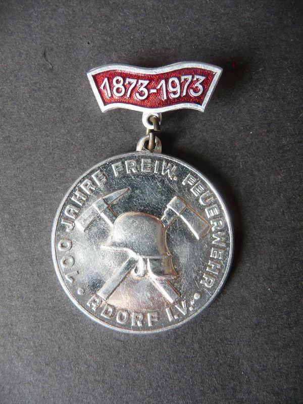 Medaille mit Anstecker Feuerwehr Adorf Vogtland 100 Jahre 1873 - 1973