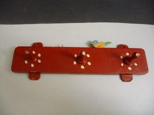 Geschirrtuch-Aufhängeleiste aus Holz bemalt mit Vogel Landhausstil