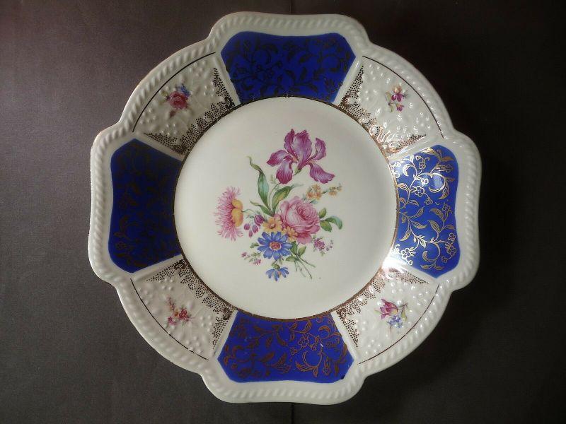 Schöner Zierteller Blumendekor weiß-blau / Schirnding Porzellan