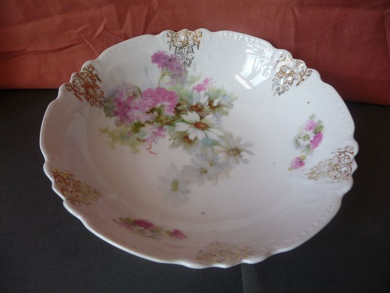 Schale mit Blumendekor Goldverzierung Porzellan ca. 1920