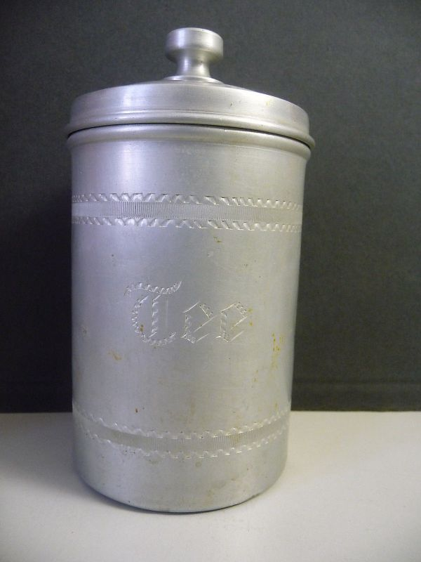 Alte Vorratsdose Teedose aus Aluminium
