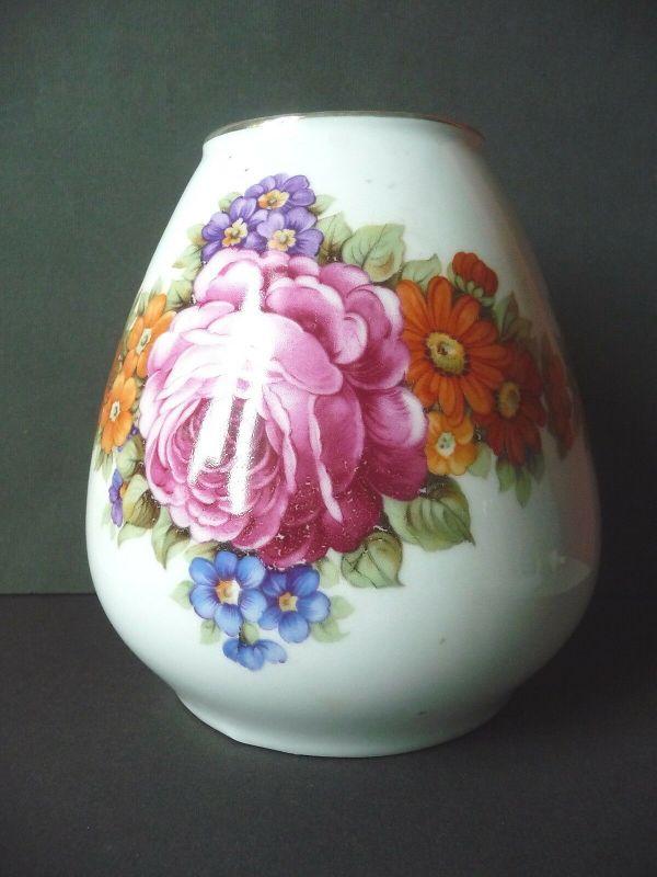 Alte Vase mit Blumendekor Rosen / Zeh Scherzer Porzellan ?