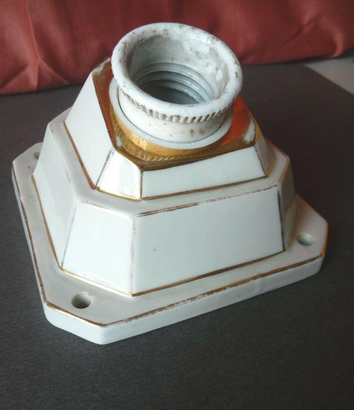 Alter Wandhalter Halterung für Lampe Porzellan mit Goldrand