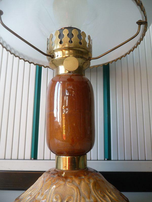 Petroleumlampe mit Keramikfuß elektrifiziert 1
