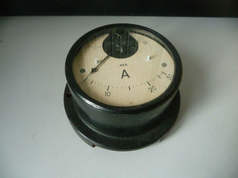 Altes Einbauinstrument Meßgerät AEG Amperemeter Wehrmacht? (II)