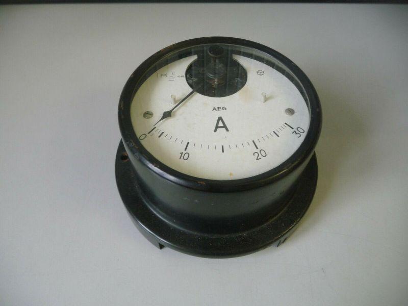 Altes Einbauinstrument Meßgerät AEG Amperemeter Wehrmacht?