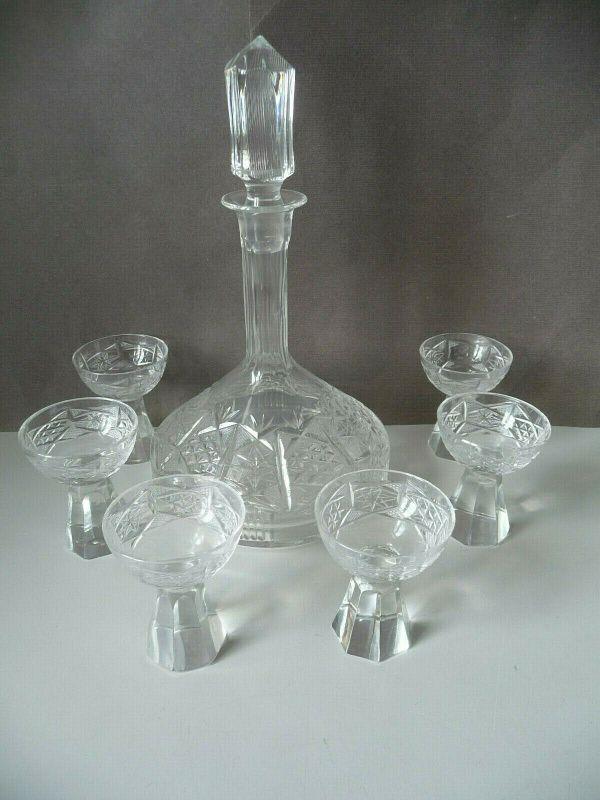 Karaffe Likörkaraffe + 6 (5) Gläser Likörgläser / Kristallglas