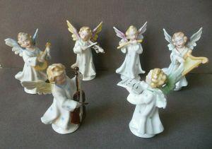 6 kleine Porzellanfiguren musizierende Engel Kapelle