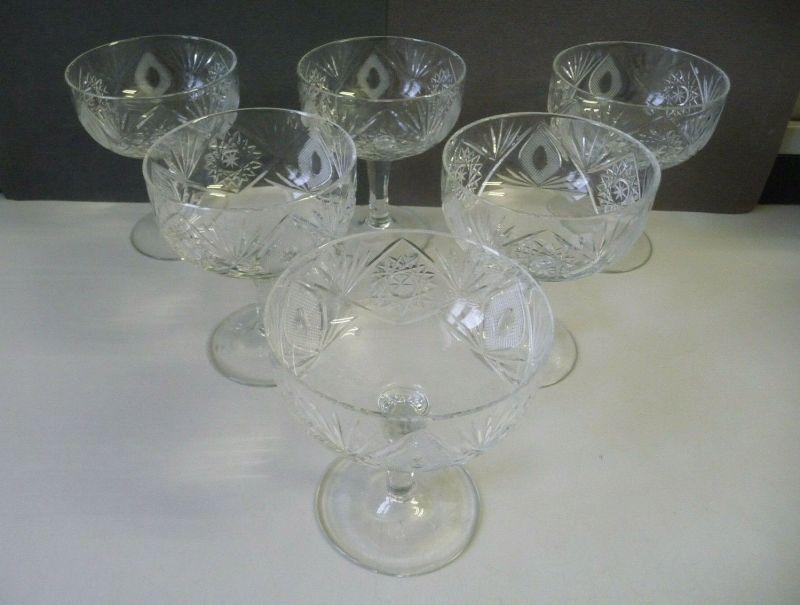 6 Cocktailgläser Kristallglas Schliffdekor