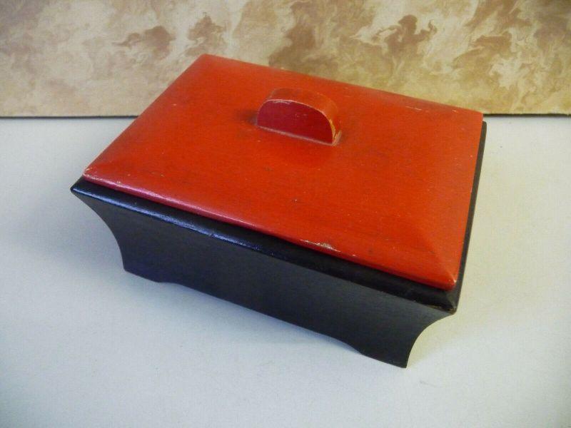 Alte kleine Holzschachtel Dose schwarz-rot