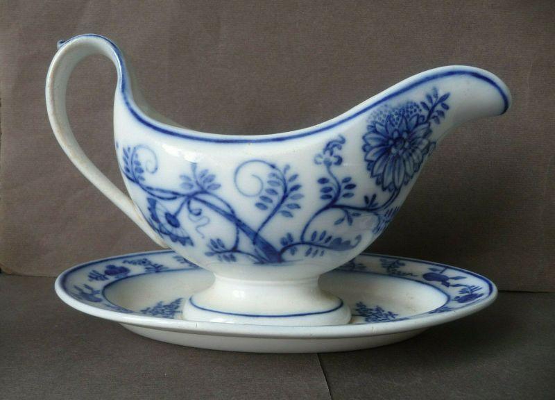 Sauciere mit Zwiebelmuster Keramik / Villeroy und Boch Dresden