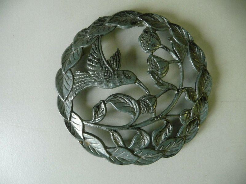 Zinnrelief Scheibe Gitter Abschluss Vogel Kolibri Blüten