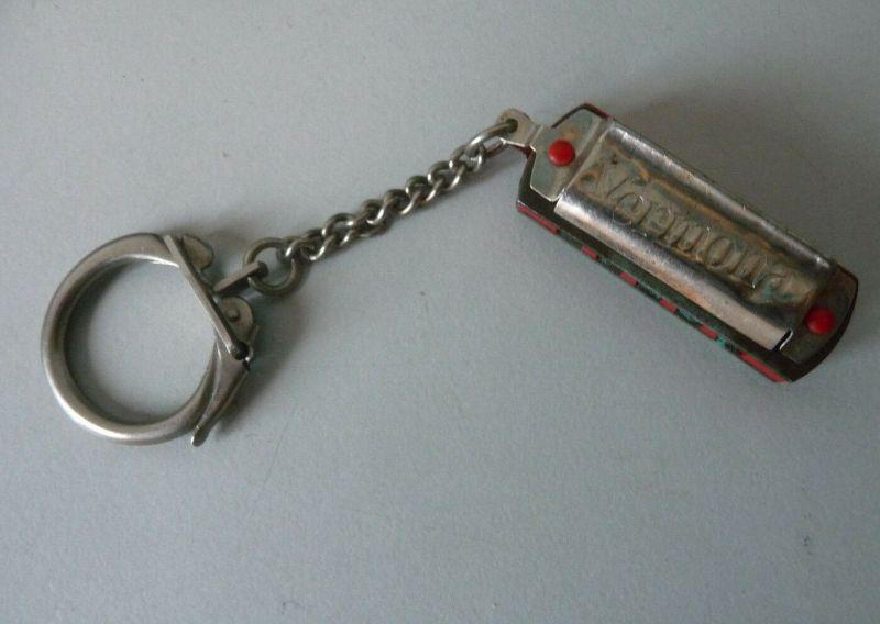 Schlüsselanhänger mit Mini-Mundharmonika Vermona