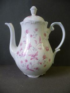 Kaffekanne mit dezentem Blumendekor weiß-altrosa / Triptis Porzellan