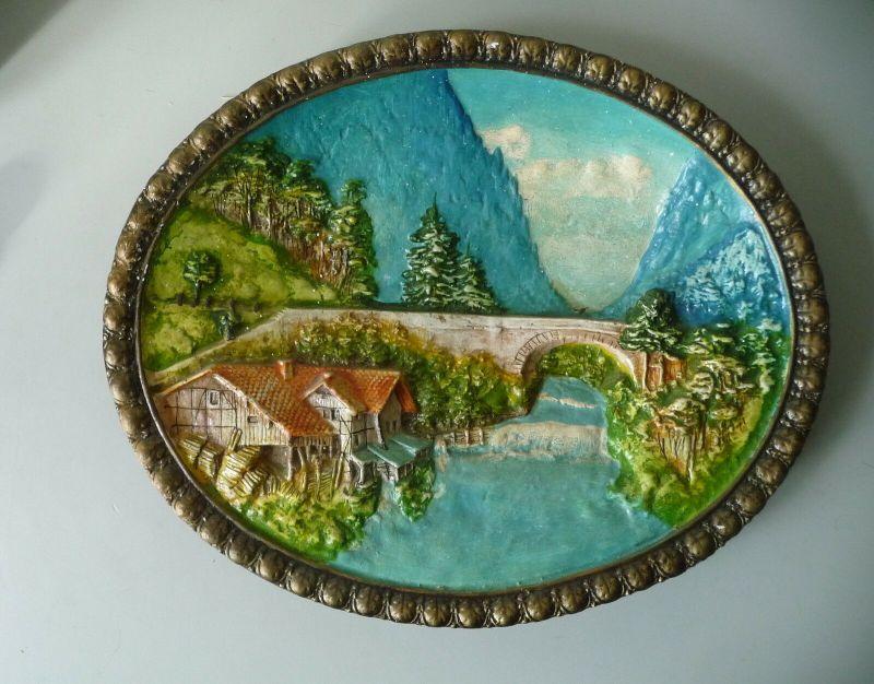 Wandbild aus Gips / Keramik ? Alpenlandschaft Mühle
