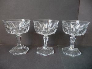 3 schöne Kristallgläser Kelchgläser Cocktailglas Champagnerschale