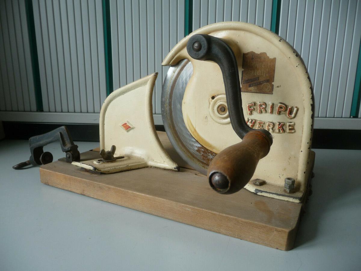 Alte Brotschneidemaschine Küchengerät Fripu-Werke