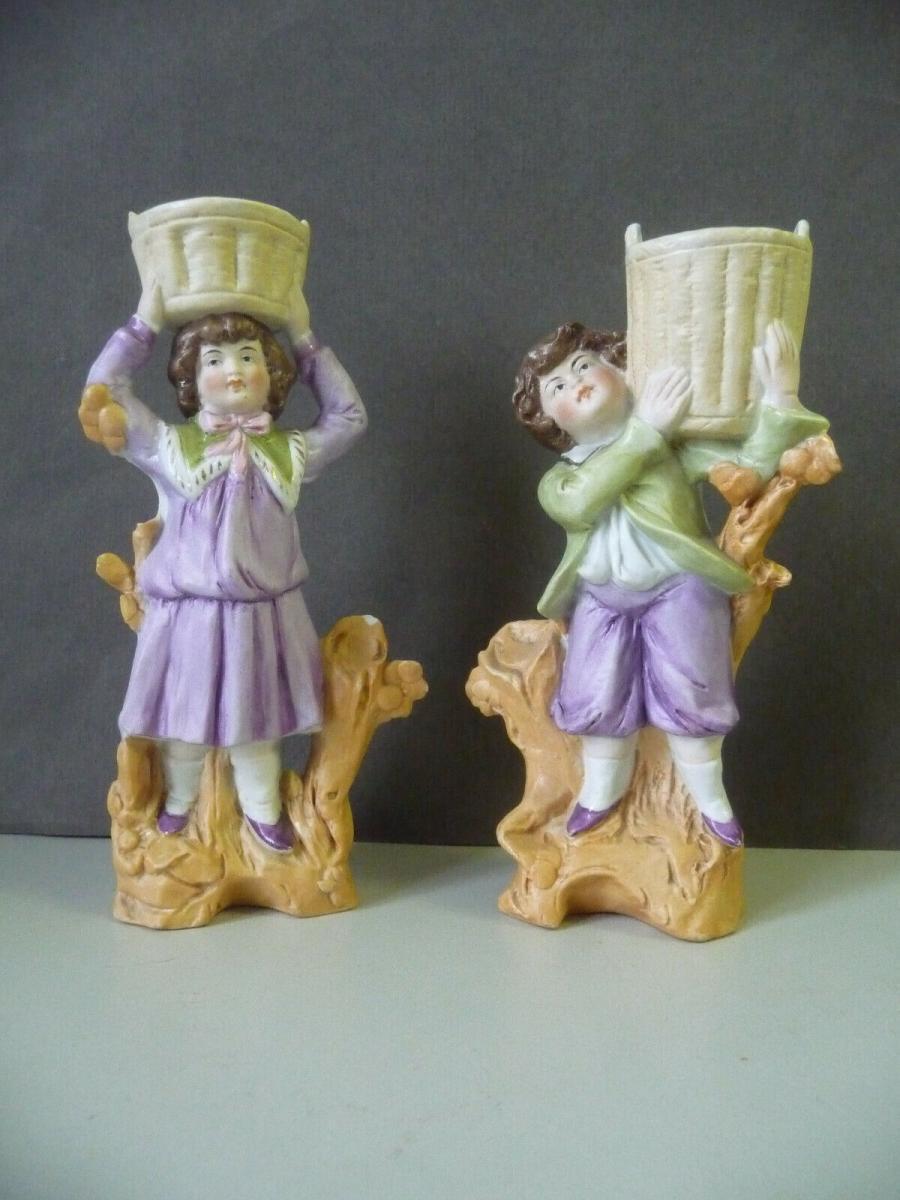 2 x Porzellanfigur zum Bepflanzen Paar Junge und Mädchen mit Körben