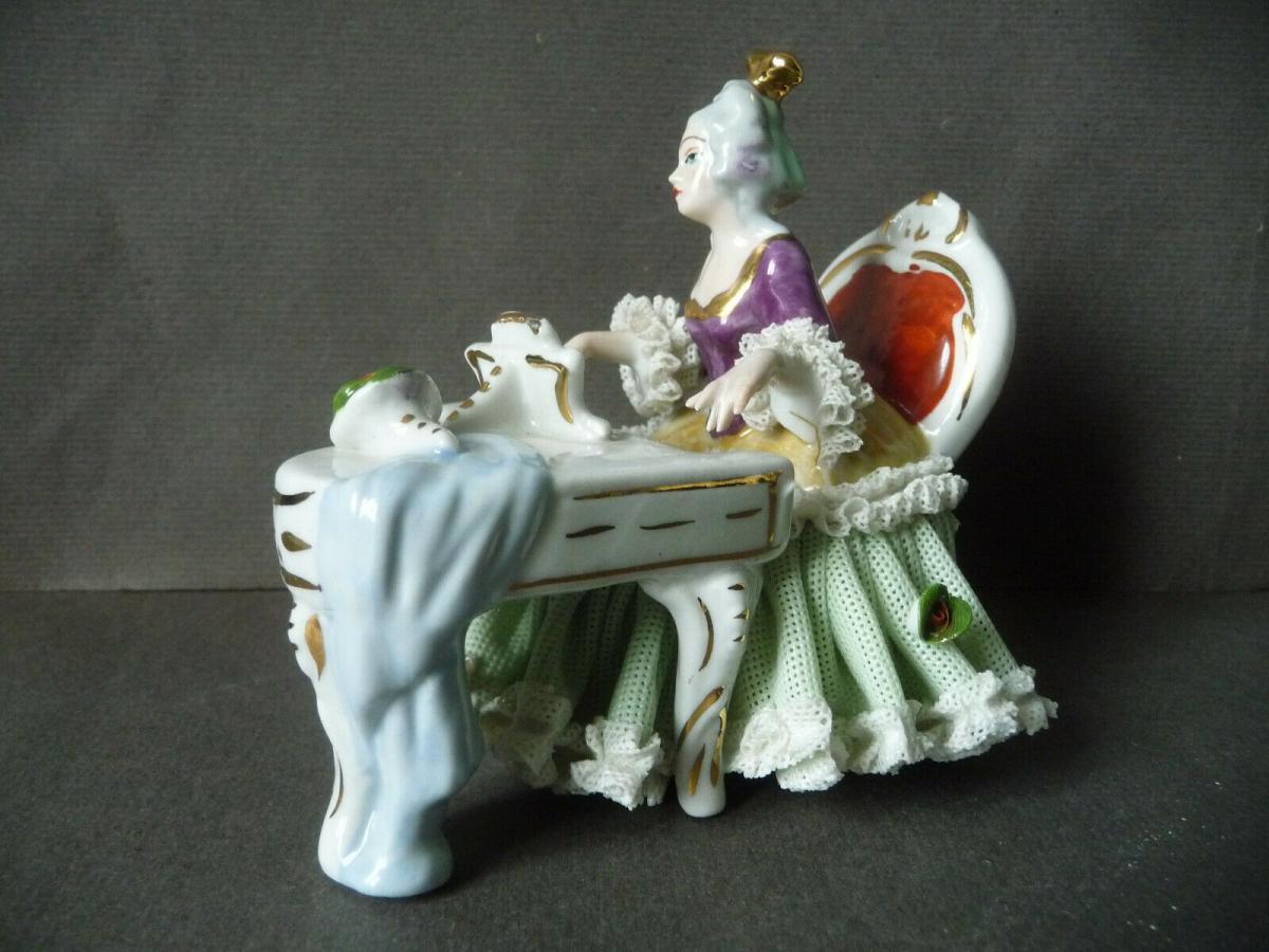 Klavierspielerin Dame in Barockgewand / Porzellan-Spitze Tüll Rittirsch Küps