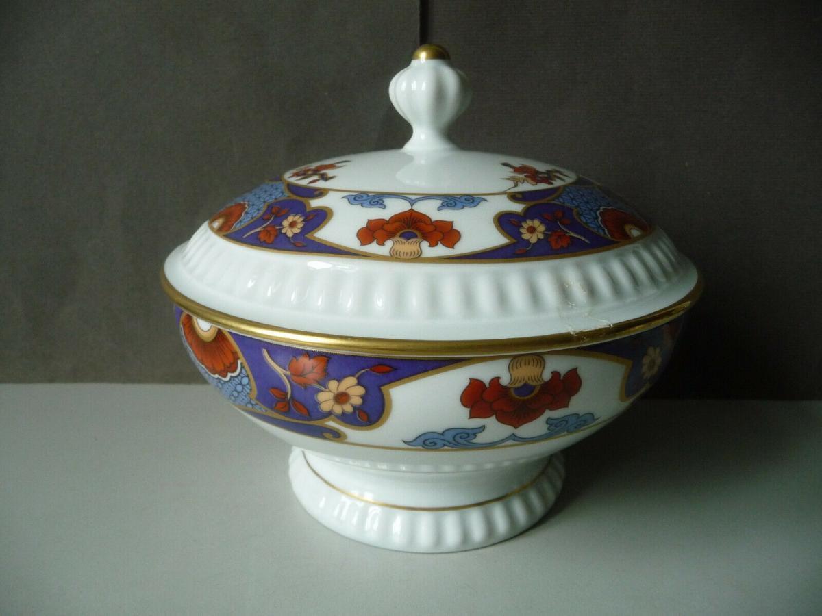 Schöne Deckeldose Bonbonniere blau-weiß / Bareuther Porzellan