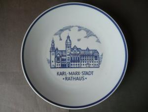 Andenken-Teller Zierteller Wandteller Karl-Marx-Stadt Chemnitz Rathaus / Kahla