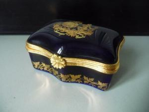 Kleine Schmuckdose Pillendose Kobaltblau Gold 22K / Limoges Castel Pompadour