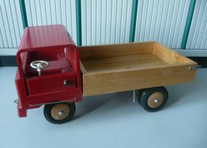 Altes Holzspielzeug Laster LKW Lastwagen Kipplader Holzauto