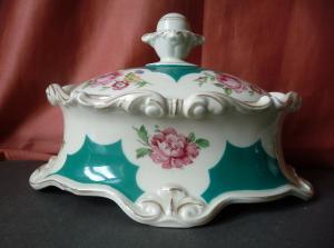 Wunderschöne Bonbonniere Deckeldose Rosendekor grün-weiß / AlKa Kunst Porzellan