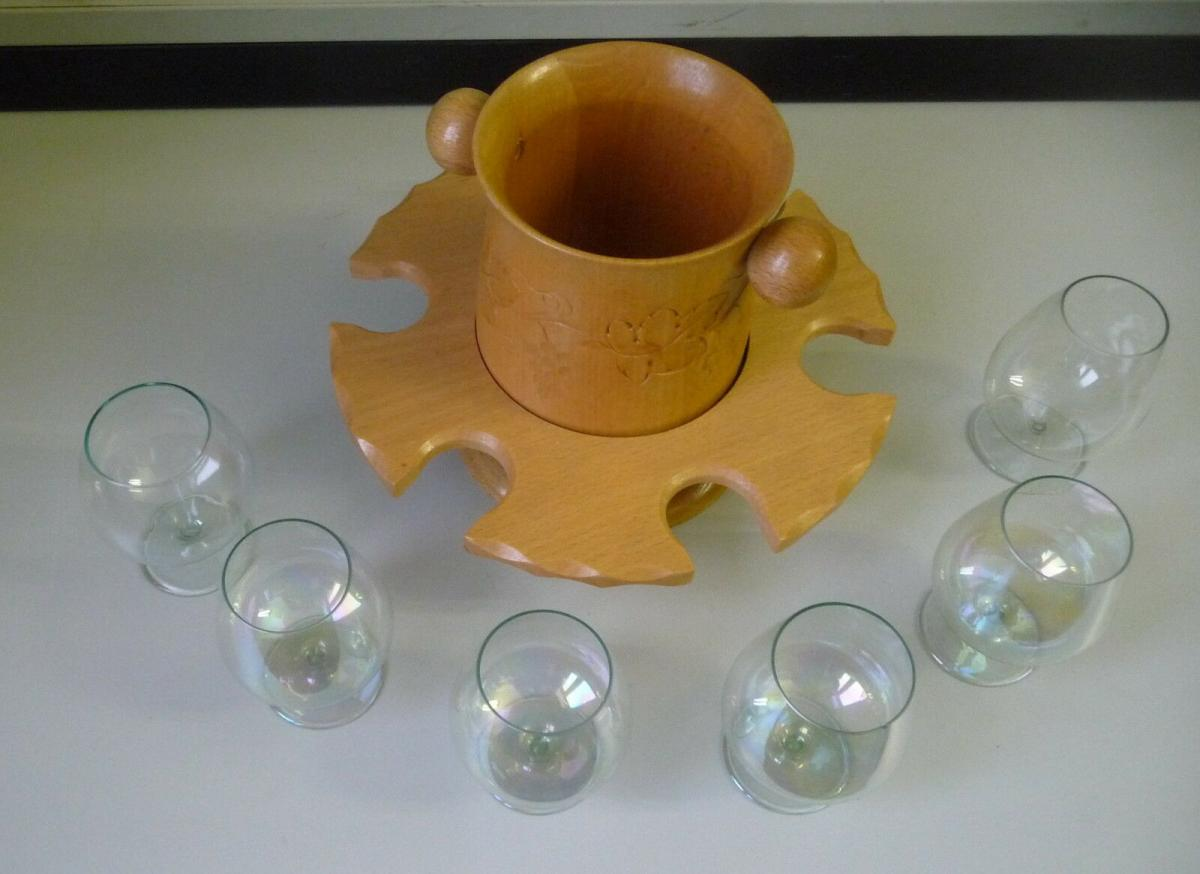 6 Weingläser in Holzständer mit Flaschenhalter Design Kult 1960er DDR 1