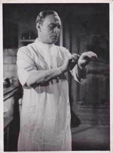 Orig. Filmfoto Pressefoto Paul Hartmann als Arzt / Berlin Film ca. 1943