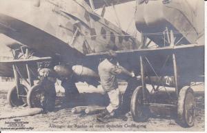 Orig. Foto Postkarte Erster Weltkrieg Kampfflugzeug Bomben Flieger 1918