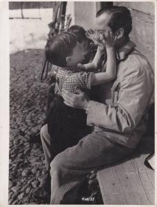 Orig. Filmfoto René Deltgen mit Kind