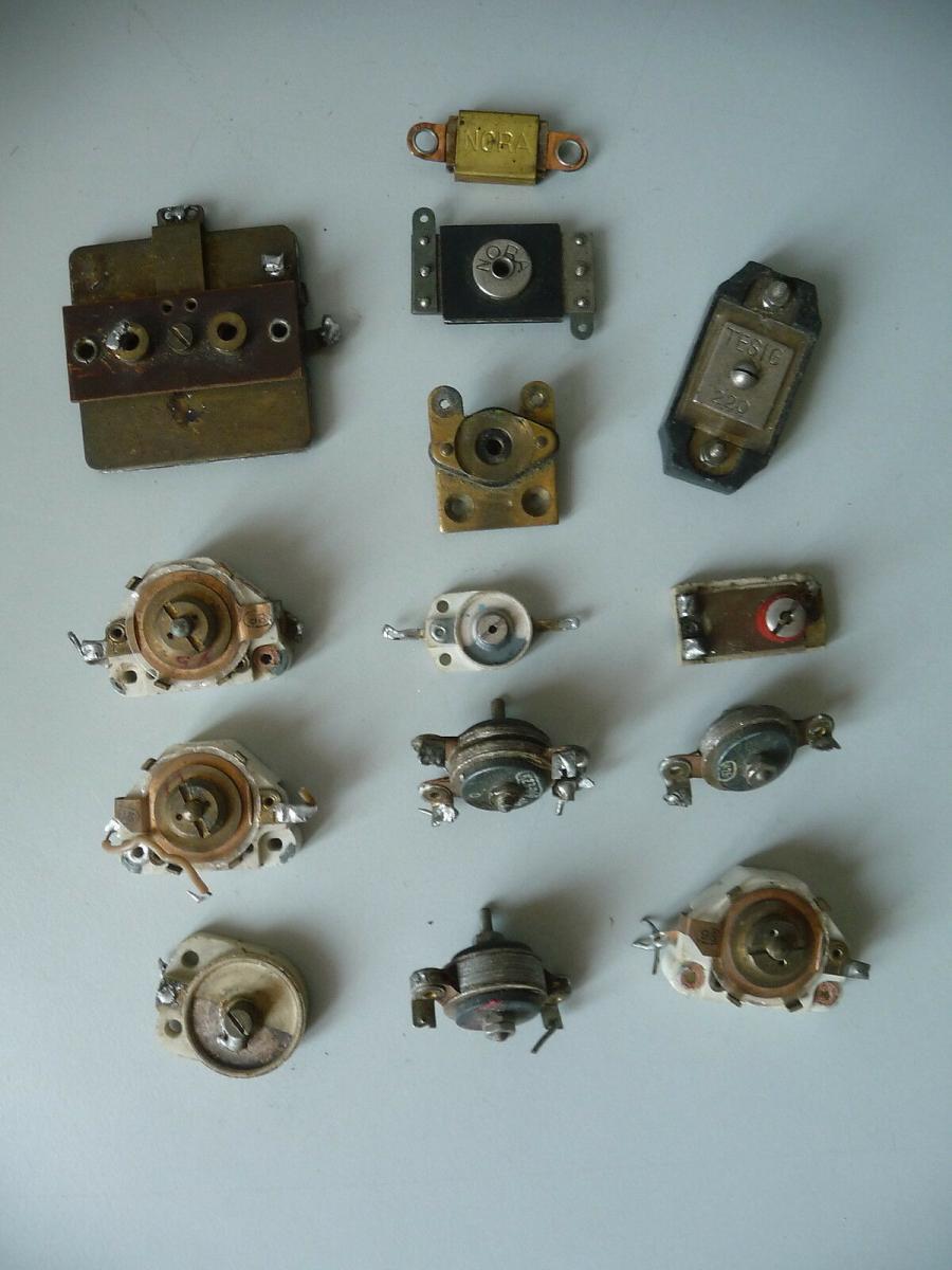 14 Bauteile Ersatzteile Kondensatoren für Uralt-Radios Bastlerware 0