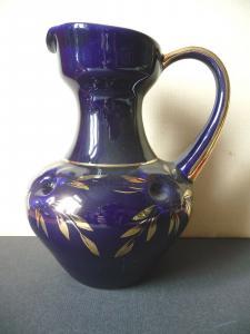 Krug Kanne aus Porzellan in Kobaltblau