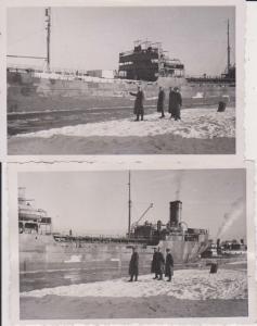 2  x Orig. Foto Frachtschiff Dampfer mit Soldaten Danzig ? Ostsee? ca. 1940