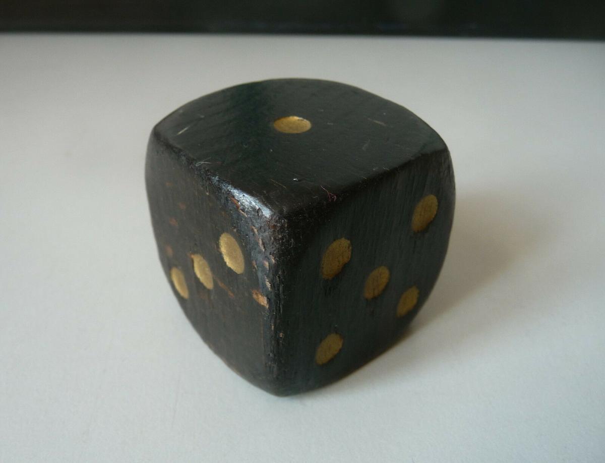 Großer schwarzer Holzwürfel 4 cm 0